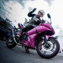 Yamaha R15 pink leopard_2.jpg