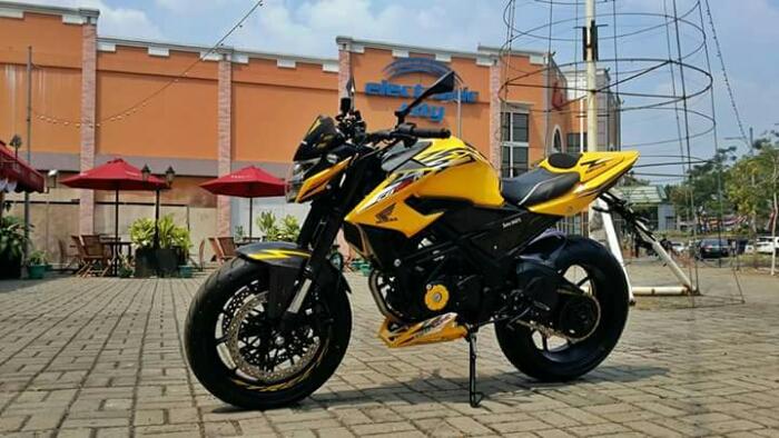 Honda CB150R Facelift Full Modifikasi…   SAiiSOKU.com