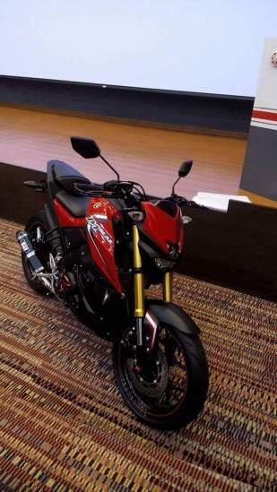 Yamaha-mt-15_04.jpg