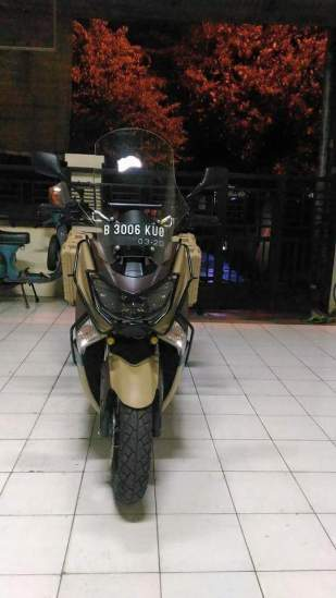 Yamaha-n-max-adventure
